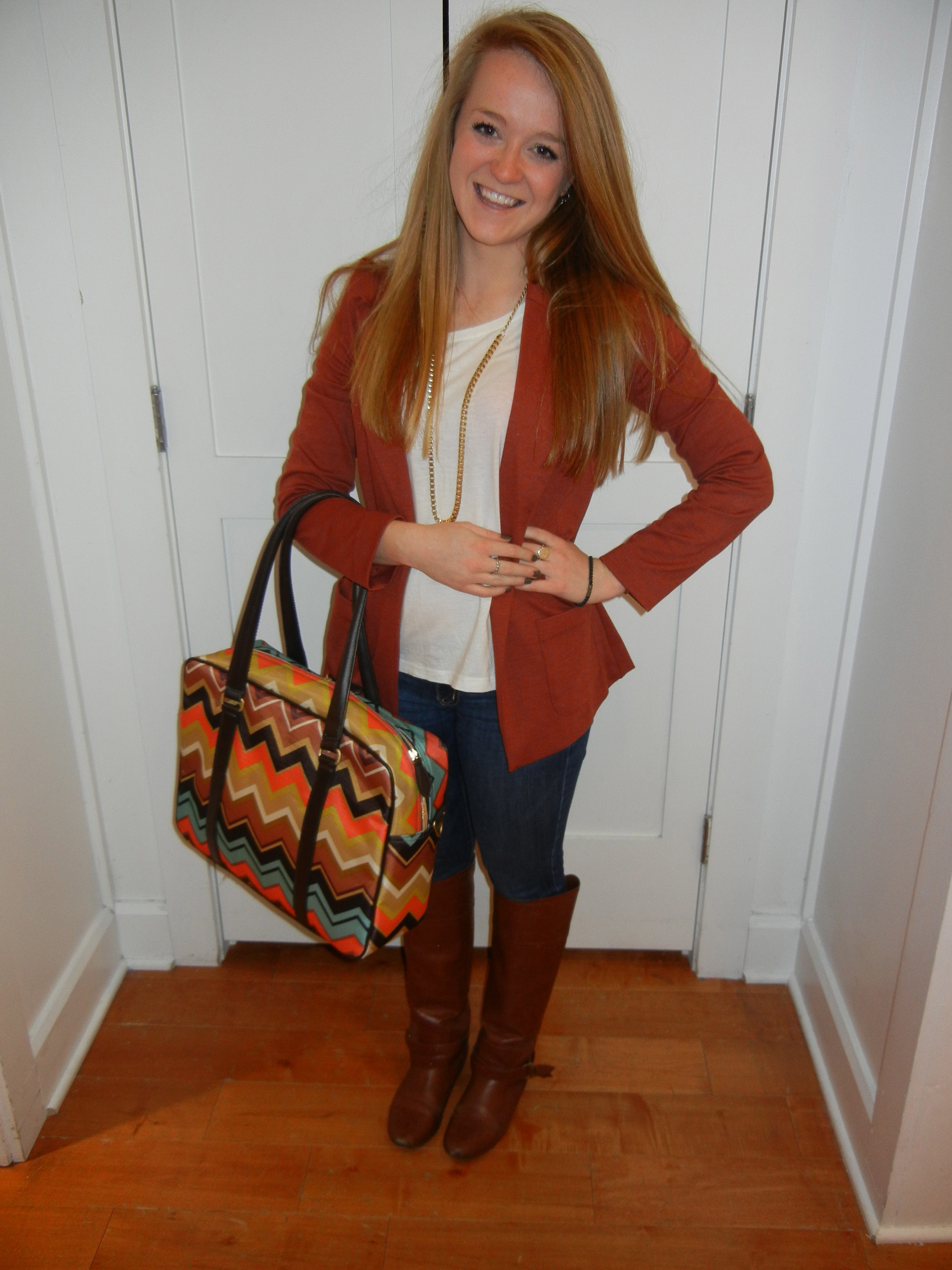 meet my style soulmate danica thestyleannalyst job s associate at american eagle outfitters store 234 baby what i was wearing today white long sleeve top forever 21 rust blazer forever 21